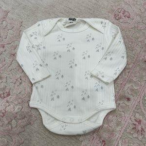 NWOT Cotton On Ivory Long Sleeve Onesie